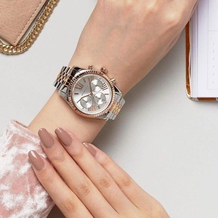 montres pour femme, Femme