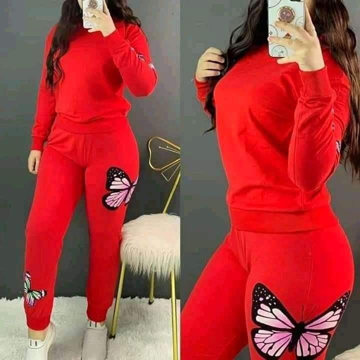 Tenue Femme Papillons, Rouge, L